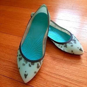 Turquoise leopard print crocs